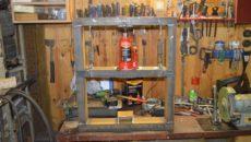 Самоделки для гаража своими руками – электропроводка, сигнализация, стеллаж, пресс и верстак